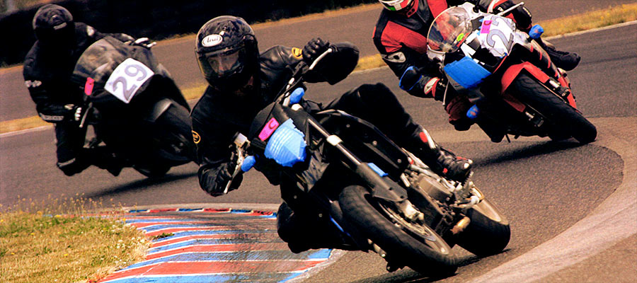 Portland motorcycle accident attorney riding in front at PIR PSSR motor sport track day