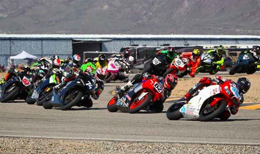 @andy_dibrino pictured in 2nd #62 duking it out with MotoAmerica racers Benny Solis, Bryce Prince, Josh Herrin, and Oregon #1 plate holder Devon McDonough, along with Utah #1 plate holder Oleg Painykh. #cvma #chuckwalla #pdx #roadracing